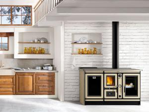 Печи с водяным контуром устанавливаются в кухнях или комнатах.