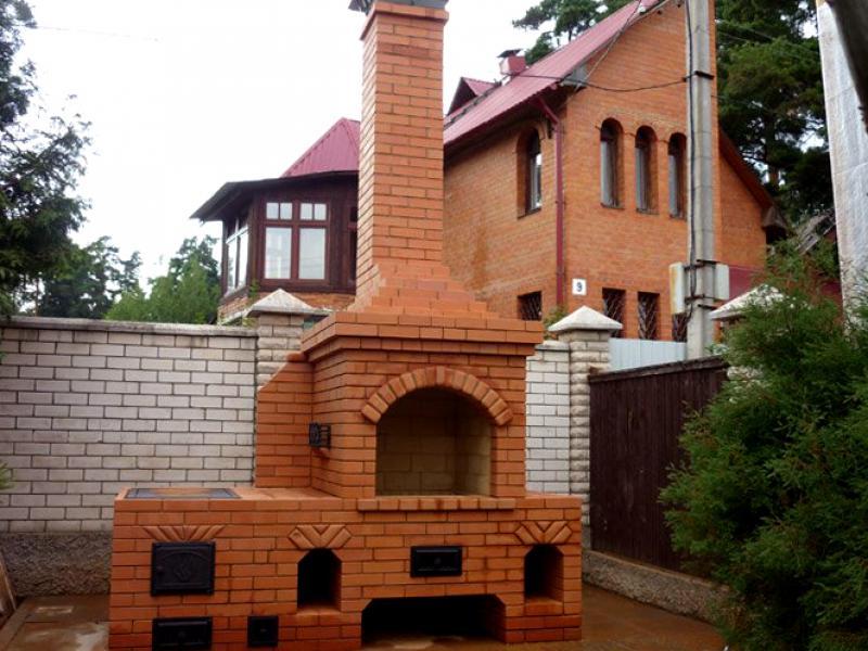 Садовая печь из кирпича