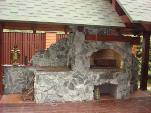 Каменный мангал для дома