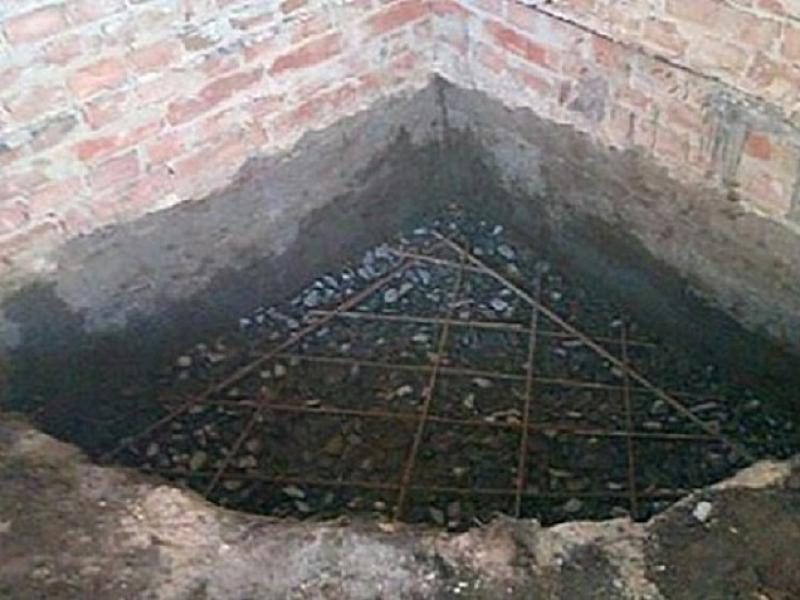 Угловой камин из кирпича