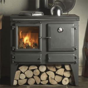 Описание особенностей отопления домов металлическими печами на дровах